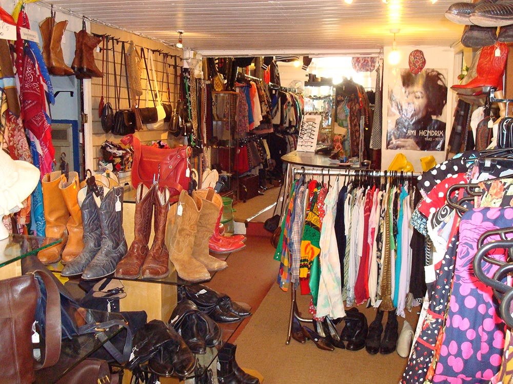 A Guide to Vintage Shopping in Bath