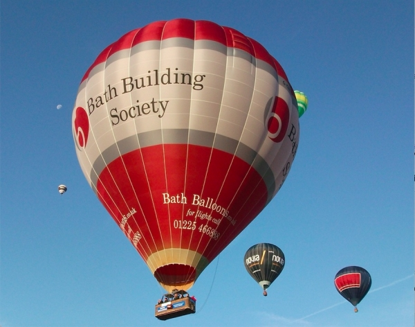1 month until the Bristol Balloon Fiesta book your flight slot with Bath Balloons before they sell out!